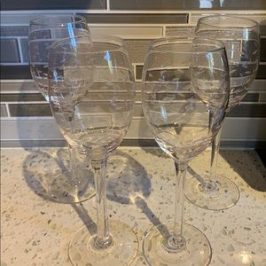 Set of 4 etched white wine glasses